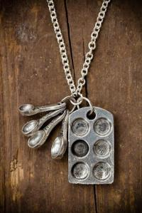 baking pan necklace