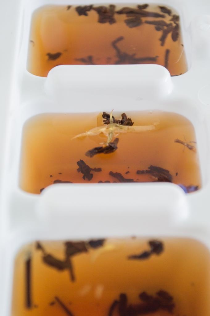 raspberry ice tea cubes