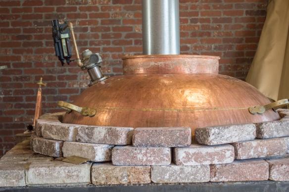 direct-fire alembic copper still | whiskandmuddler.com