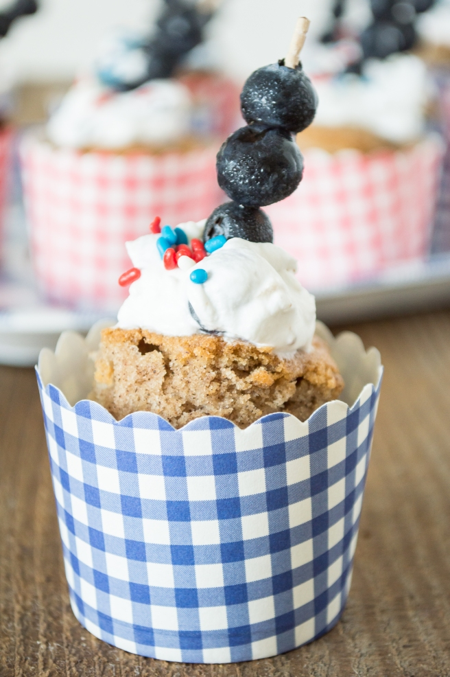 Apple Spice Mini Cakes with Fresh Blueberry Cream | whiskandmuddler