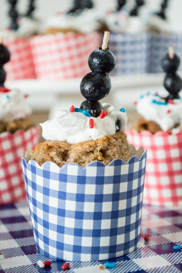 apple spice cake with fresh blueberry cream | whiskandmuddler.com