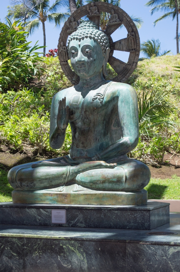 sitting buddha | hilton waikoloa | whiskandmuddler.com
