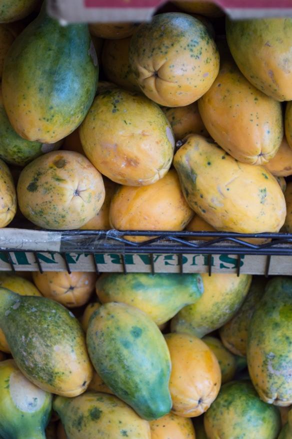 rainbow papayas | kona farmer's market | whiskandmuddler.com