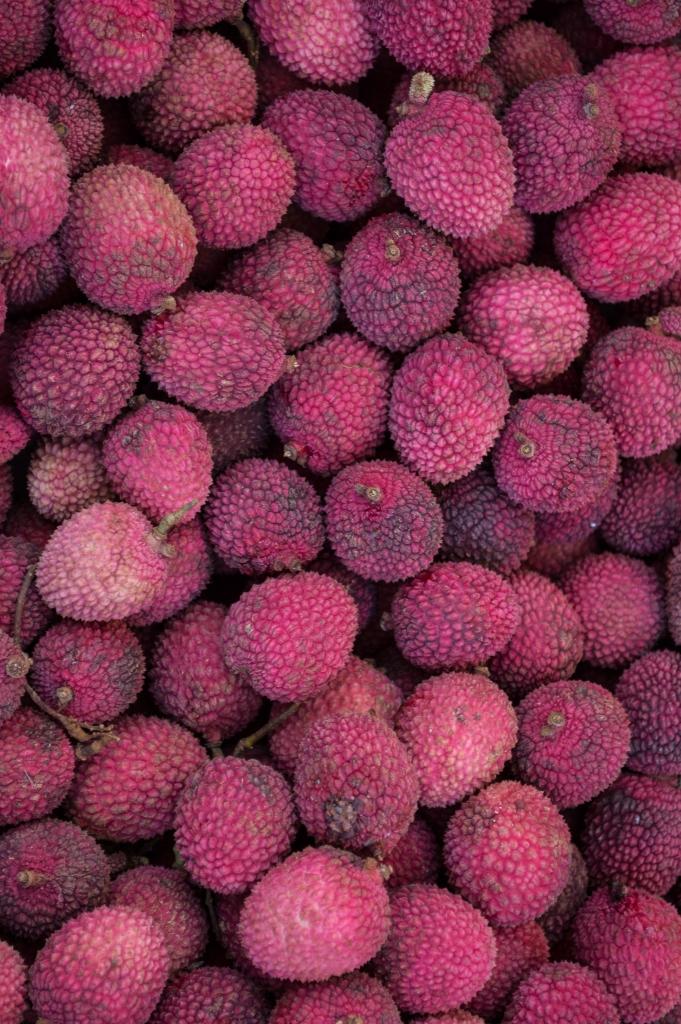 lychee | kona farmer's market | whiskandmuddler.com