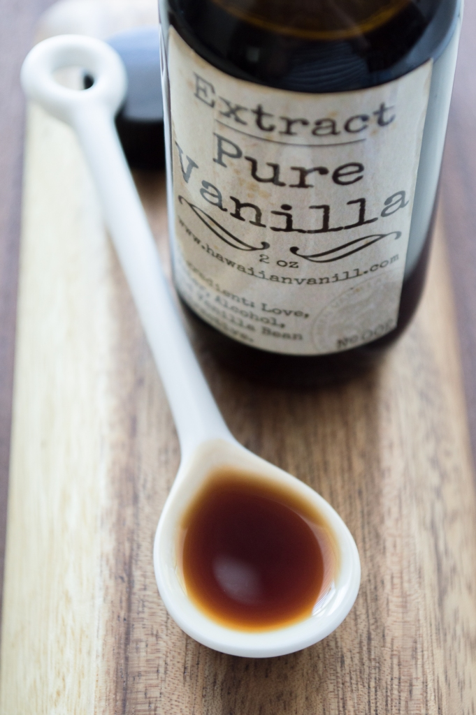 vanilla extract | hawaiian vanilla co. | whiskandmuddler.com