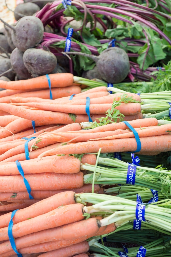 carrots and beets | SRCFM | whiskandmuddler.com