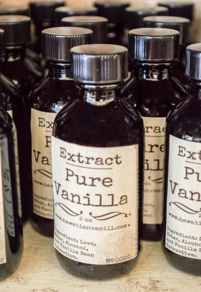 vanilla extract| hawaiian vanilla company | whiskandmuddler.com