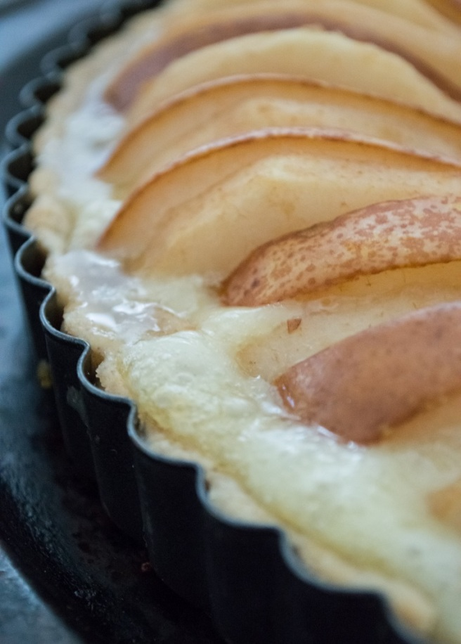 pear-camembert-honey tart baked | whiskandmuddler.com