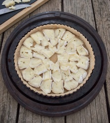 pear camembert honey tart with cheese | whiskandmuddler.com