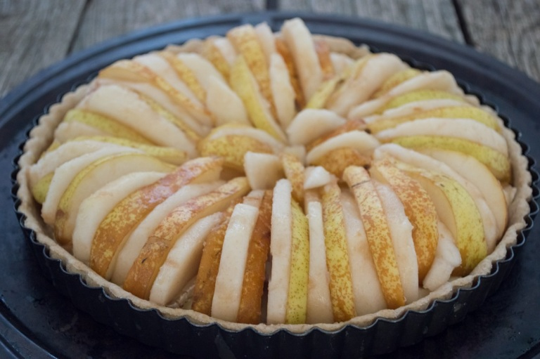 pear-camembert-honey tart with pears on cheese 2 | whiskandmuddler.com